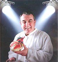 Заведующий отделением сердечно-сосудистой хирургии: профессор доктор Роланд Хетцер